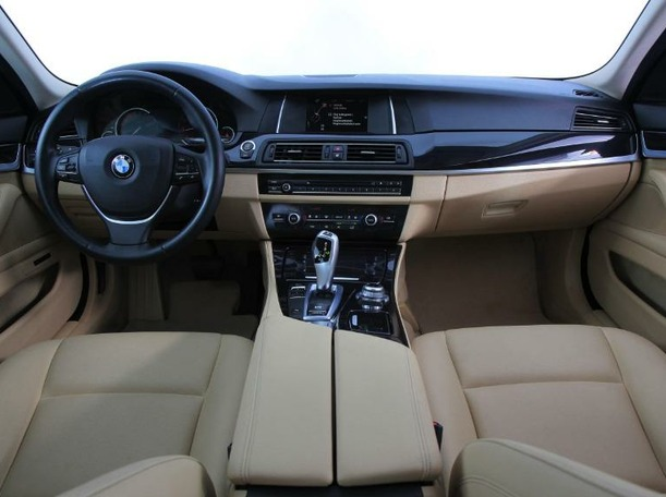 Used 2015 BMW 520 for sale in dubai