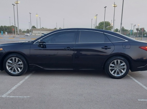 Used 2019 Toyota Avalon for sale in abudhabi