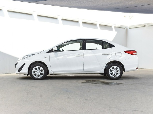 Used 2019 Toyota Yaris for sale in abudhabi