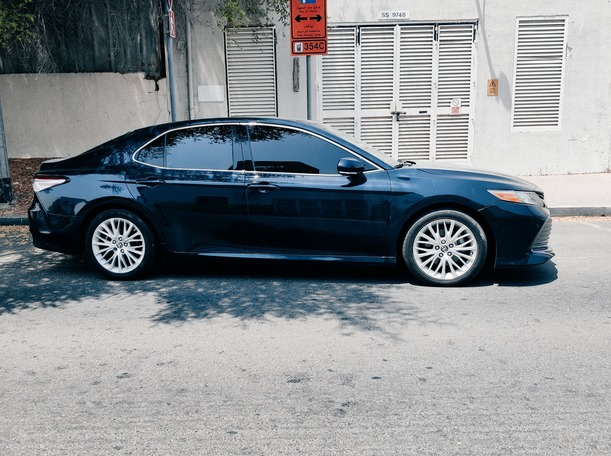 Used 2018 Toyota Camry for sale in dubai