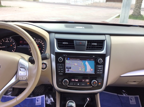 Used 2018 Nissan Altima for sale in abudhabi