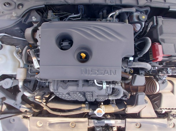 Used 2020 Nissan Altima for sale in sharjah