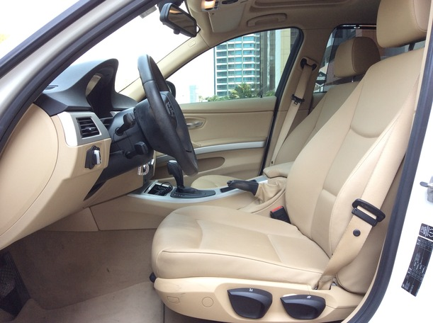 Used 2012 bmw 3 Series for sale in dubai