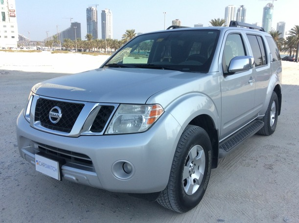Used 2010 nissan Pathfinder for sale in dubai