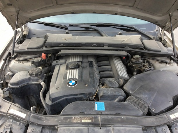 Used 2011 BMW 325 for sale in dubai