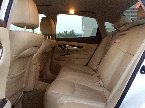 Used 2012 infiniti M37 for sale in dubai