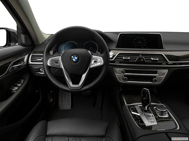 New 2018 BMW 750 for sale in dubai