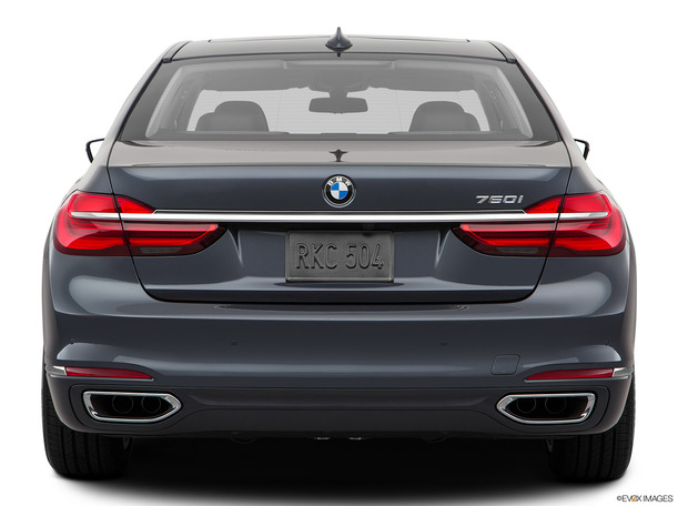 New 2018 BMW 740 for sale in dubai